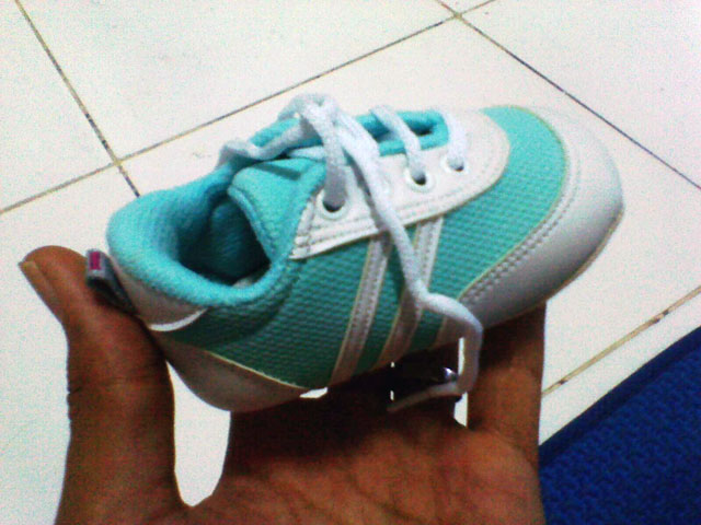 Sepatu Mungil